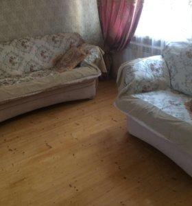 Холл,диван,кресла,покрывало