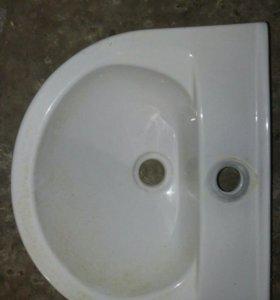 Умывальник в ванную. 300*300в отличном состоянии.