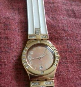 Швейцарские часы с позолотой.
