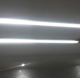 Люстра с 2-мя светодиодными лампами. 3 шт