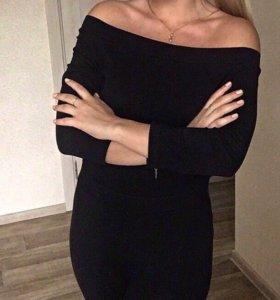 Облегающее платье-футляр