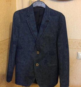 Пиджак джинсовый на 11-12 лет!