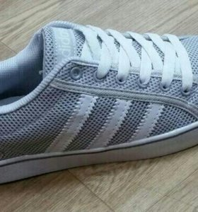 Новые кроссовки adidas 45-46р