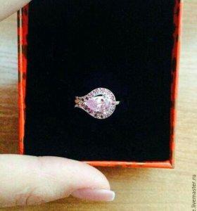 Кольцо серебряное с рубинами и розовым сапфиром