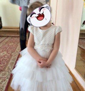 Платье для девочки 4-5 лет.