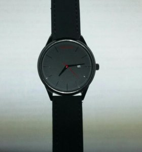 Часы кварцевые MVMT