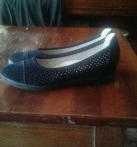 Туфли для девочки 300р