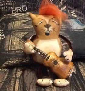 Кофейный кот с гитарой