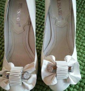 Белые туфли 34-35 р