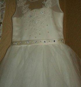 Платье для девочки и шубку а также бодъюбник