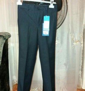 Школьные брюки тёмно-синие классические
