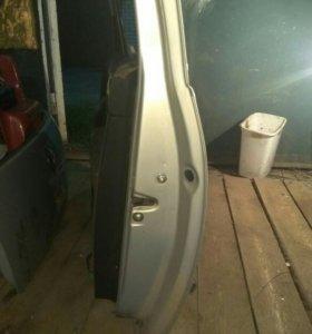 Дверь правая WV Golf купе