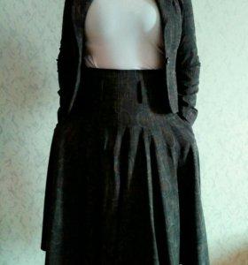 Костюм женский с юбкой 46-48