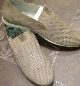 Мужские натуралка туфли новые 42 размер