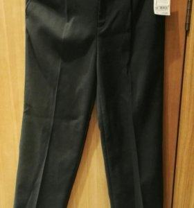 Продам новые школьные брюки на флисе на мальчика р