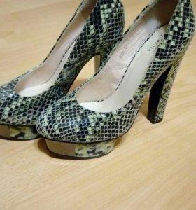Новые туфли MEDEA