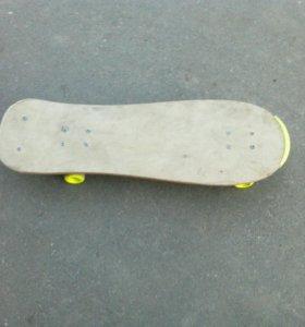 Скейтборд сброшу цену до 2500