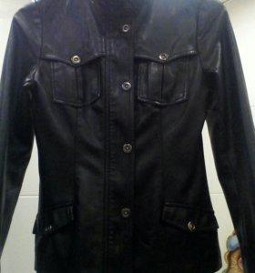 женская куртка кожанная