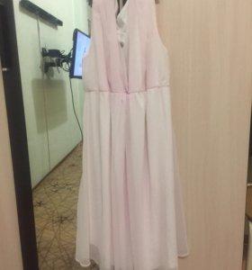 Нарядное платье ниже колен
