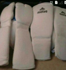 Шлем перчатки