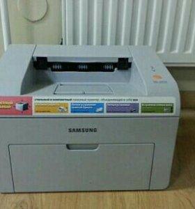 Продам принтер (как на фото)