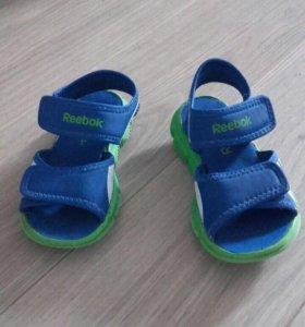Детские сандали rebook