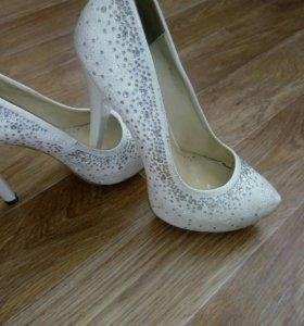 Отличные туфли, по замечательной цене.