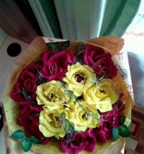 Яркий,красивый букет роз.