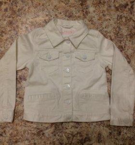 Белая джинсовая куртка для девочки Gap