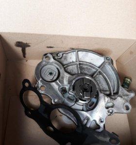 Вакуумный насос оригинал б/у VW Amarok