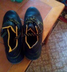 Продам ботинки 48 размера