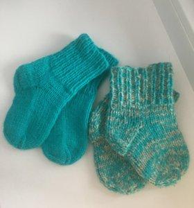 Продам тёплые носочки (2 пары) (3-6 и 6-9мес)
