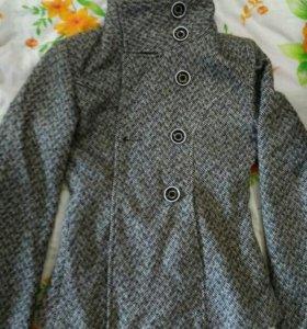 Пальто осень р.42