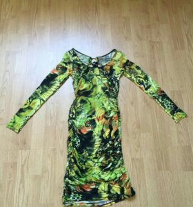 Платье с декоративной спинкой