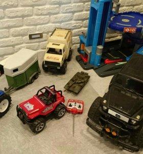 Много игрушек для мальчика Bruder Lego elc