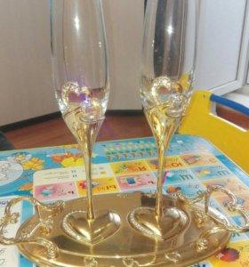 Свадебные бокалы с подносом