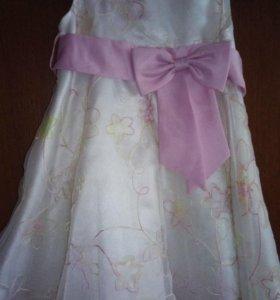 Нарядное платье на 3-4-5лет