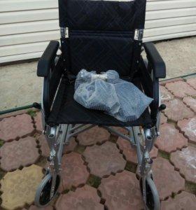 Кресло-коляска.