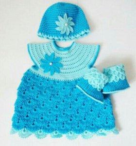 Вязаное платье шапочка сапожки