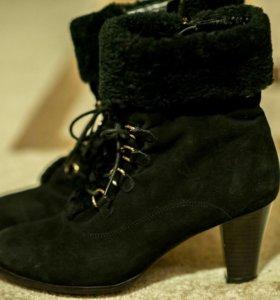 Зимние ботинки натур замша
