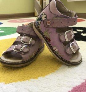 Ортопедические сандали Dr.Mymi