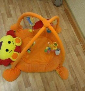 Развивающий коврик для малыша. Лёва.