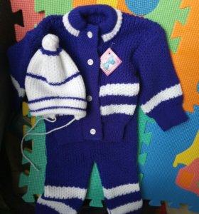 Новый вязаный костюм детский фиолетовый.