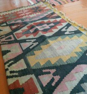 Продаю старый ковры им 200 лет цена договорная