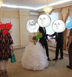 Свадебное платье........