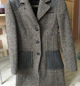 Пальто осенне-весеннее