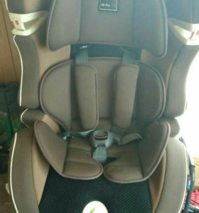 Детское авто кресло Kiwy.