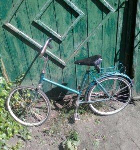 Старый подростковый велосипед по запчастям
