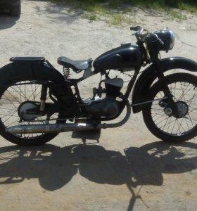 Ретро мотоцикл