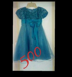 Детское платье в хорошем состоянии
